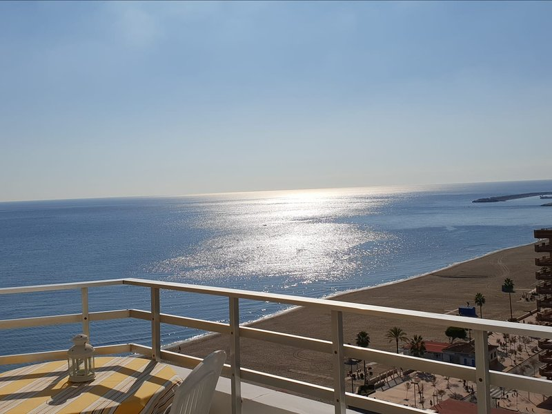 Ronda 3 Seafront Apartment 116, holiday rental in Fuengirola