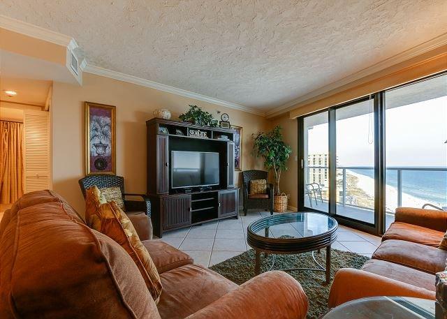 Beachside II 4333 Living Room