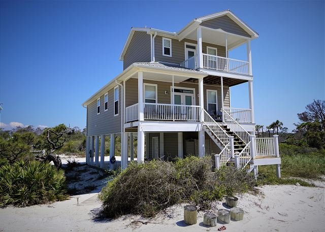 Gulf view home only steps to the quiet secluded beach., alquiler de vacaciones en Cape San Blas