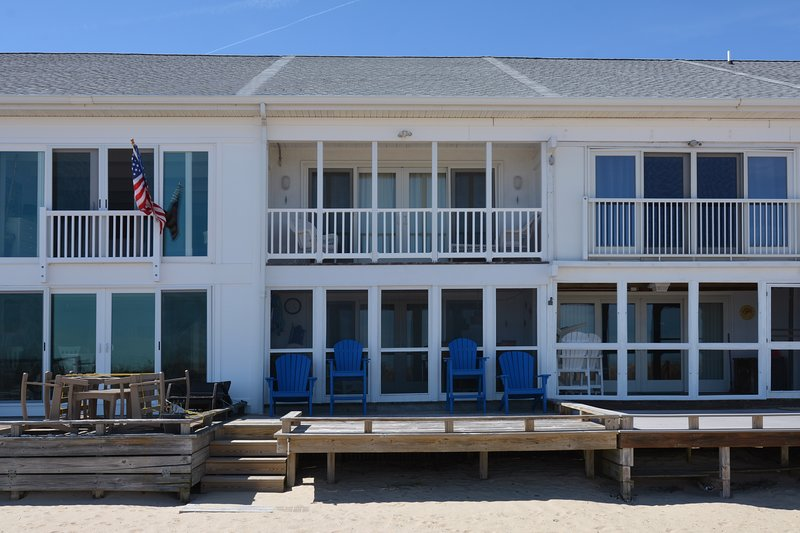 Wonderful porches and decks to enjoy the seabreeze