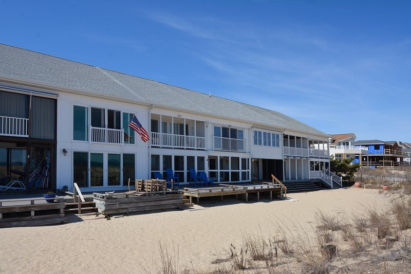 Welcome to Seastrand! Fantastic oceanfront location on Chesapeake Street!