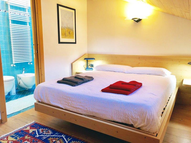 Camera con bagno (non è previsto serv. colazione), vakantiewoning in Tesero