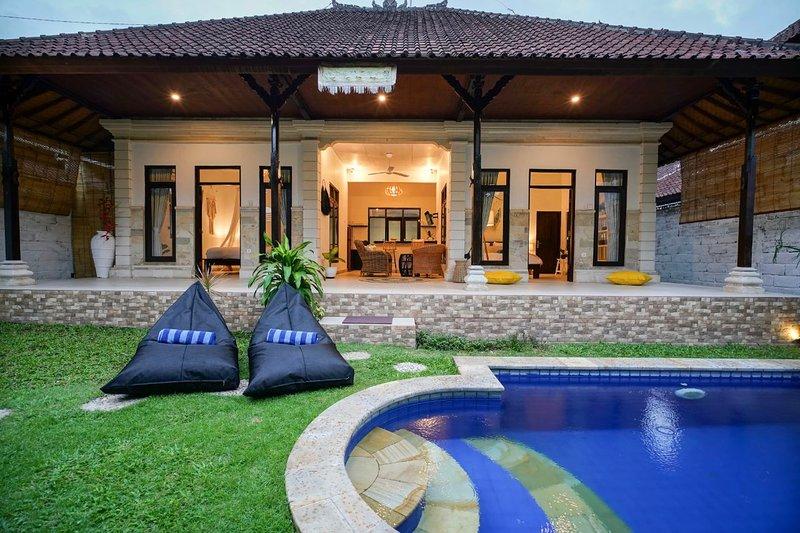 Front view of villa Liya