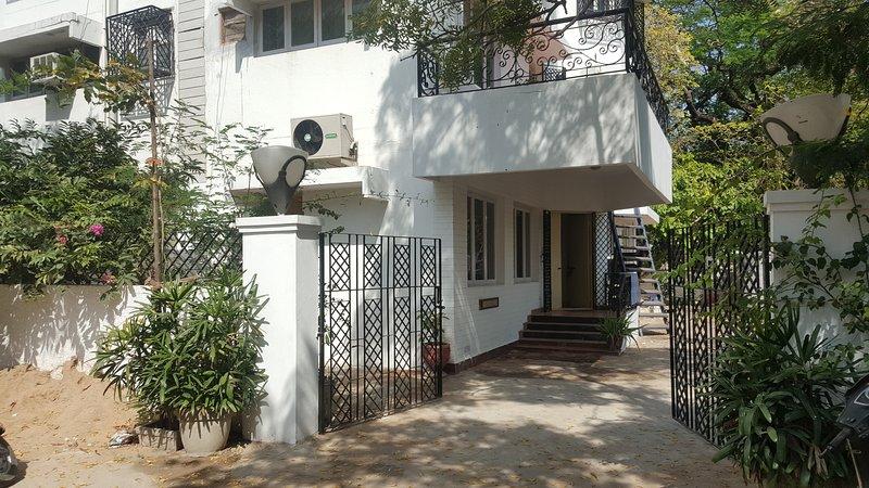 'Marinz Nest'- posh villa near Apollo hospital / Shankra neythralya & US Consl, holiday rental in Chennai District
