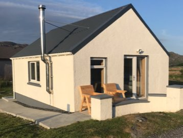 The Chalet, 444 North Lochboisdale , Lasgair, holiday rental in South Uist