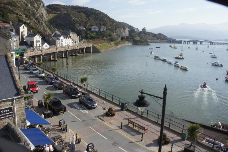 Wynnstay Apartment, Fabulous Harbour, Sea and Mountain Views, holiday rental in Barmouth