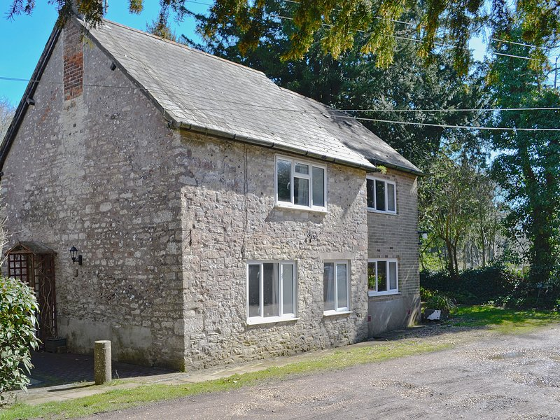 Mill Cottage, holiday rental in Charminster