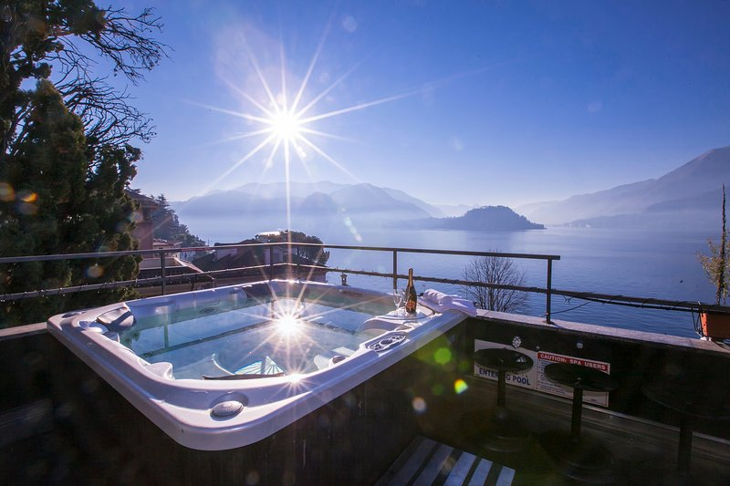 Della Fontana Penthouse, vacation rental in Varenna