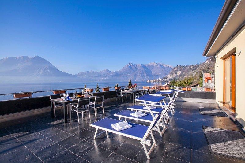 Fiumelatte Apartment Sleeps 6 with WiFi - 5841224, vacation rental in Fiumelatte
