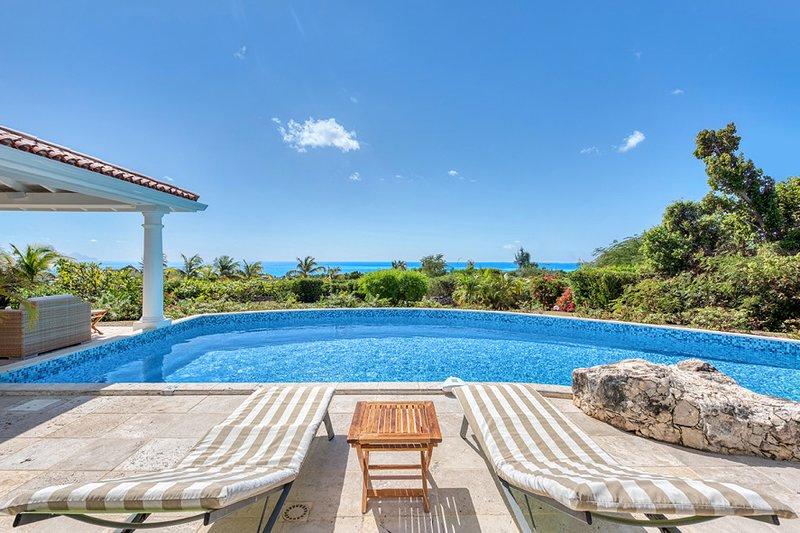 LUNE DE MIEL....The Honeymoon!  Romantic hideaway for lovers, aluguéis de temporada em St-Martin/St Maarten