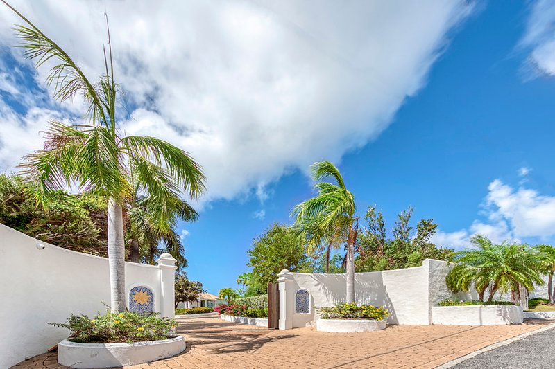 Sea Sun ... 5BR Vacation Villa, Lowlands, St Martin