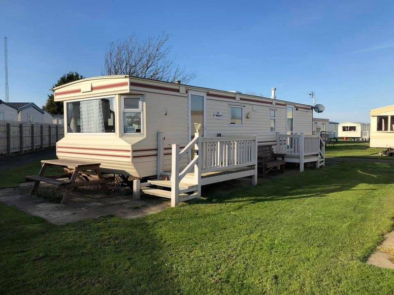 Home from home caravan, vacation rental in Ingoldmells