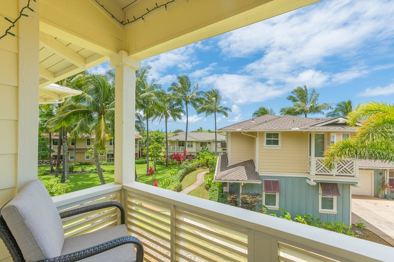 Princeville Condo w/ AC, Pool, Garage, tennis courts, & a walk to the beach! (27, vacation rental in Princeville