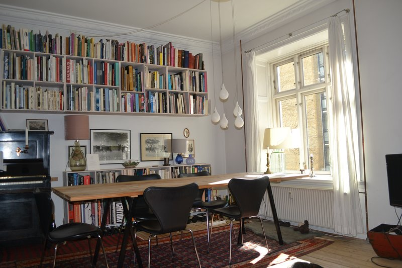 Calm and charming city home – semesterbostad i Birkerod