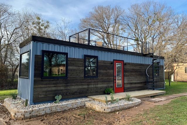 'The Hacienda' Container Tiny Home 12 min. to Magnolia/Baylor, holiday rental in Waco