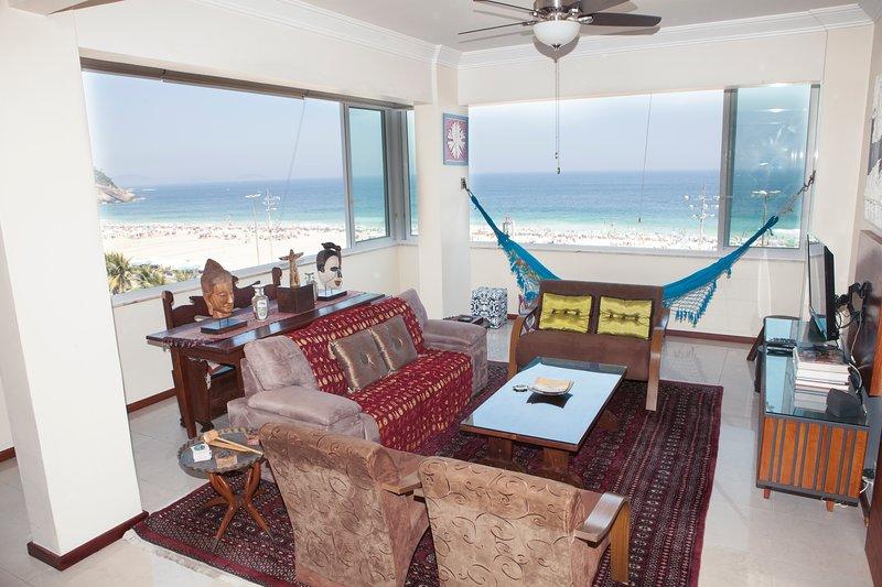 Copacabana Bela Vista - Ocean Front Apartment, vakantiewoning in Rio de Janeiro