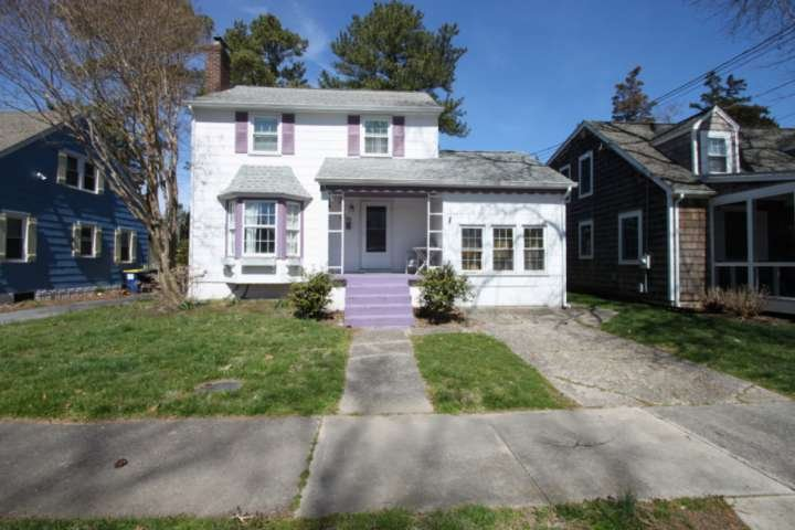 Charming Rehoboth Cottage on New Castle St 2 Blocks to the Beach and Boardwalk