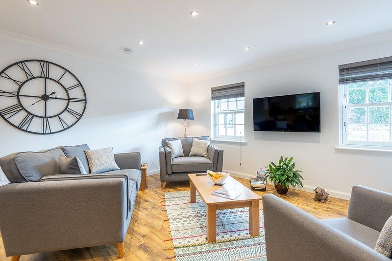 Stylish & Modern Apartment, location de vacances à Ardersier
