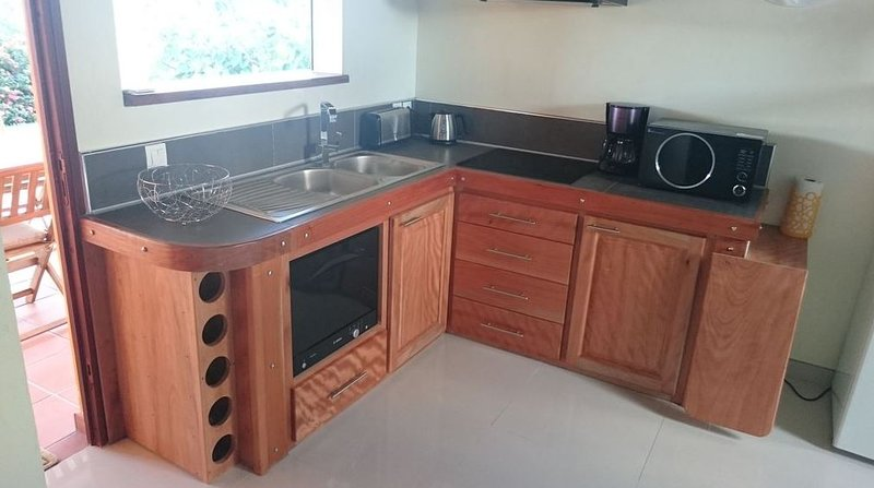 Beautiful house with shared pool, holiday rental in Douville