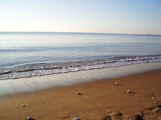 Longas praias arenosas