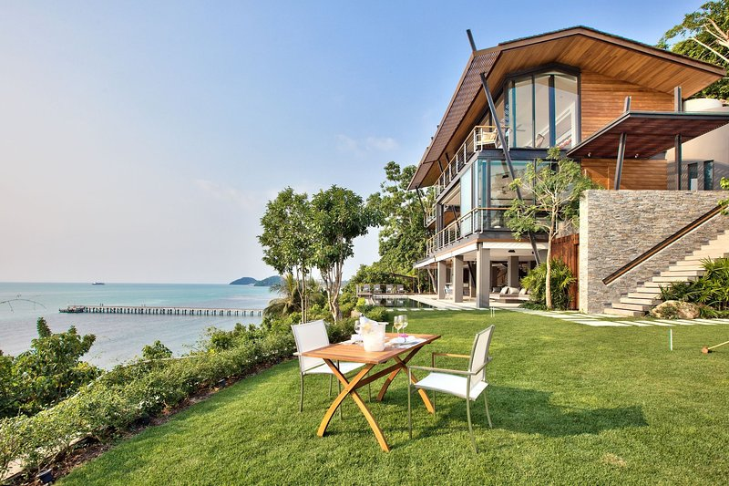 [30% OFF] The View Samui Cliffside Stylish Getaway w/ Gym, holiday rental in Taling Ngam