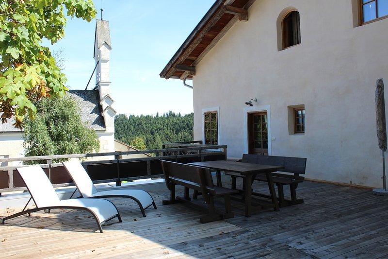 Ferienwohnung Sebastion  im Hof Neuhaus, holiday rental in Meltina