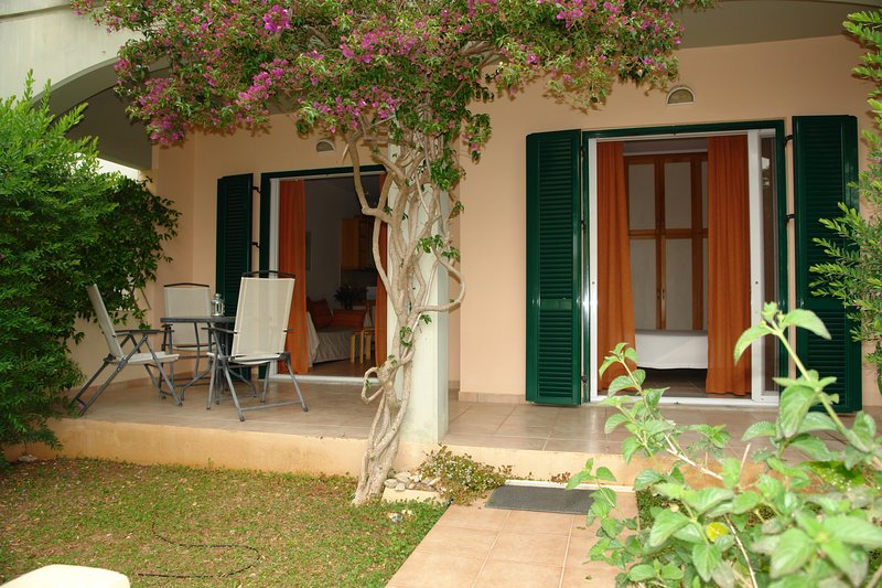 erato one bedroom apartment on the beach, vacation rental in Pyrgi