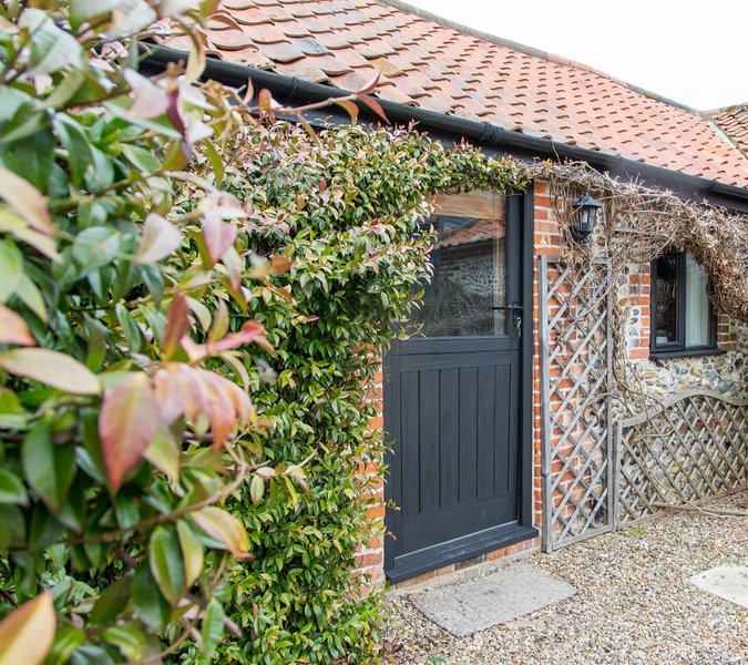 Brilliant Holiday Cottage On The Border Of Suffolk And Norfolk Home Remodeling Inspirations Genioncuboardxyz