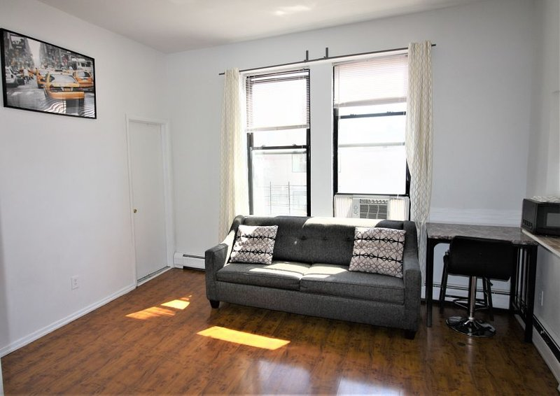 Modern Bright Apartment Steps to NYC Has Internet Access and ...