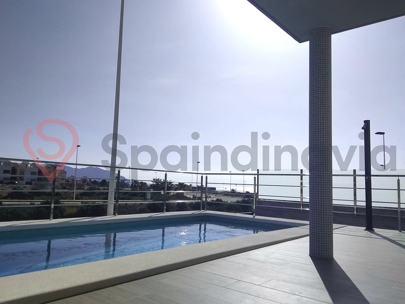 Astonishing beach and pool house 100 meters from the beach., holiday rental in Puerto de Mazarron