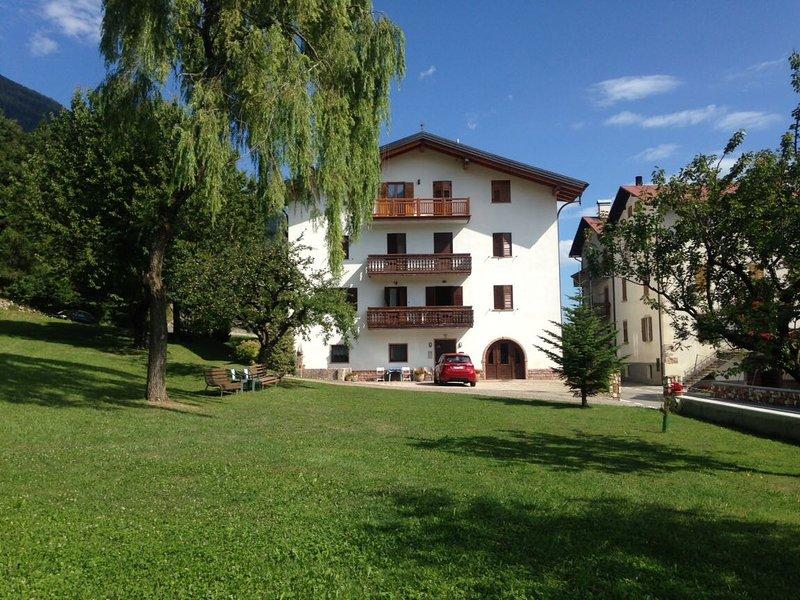 Casa Dalsass Dolomiti, Paganella e Lago di Molveno, holiday rental in Mezzolombardo