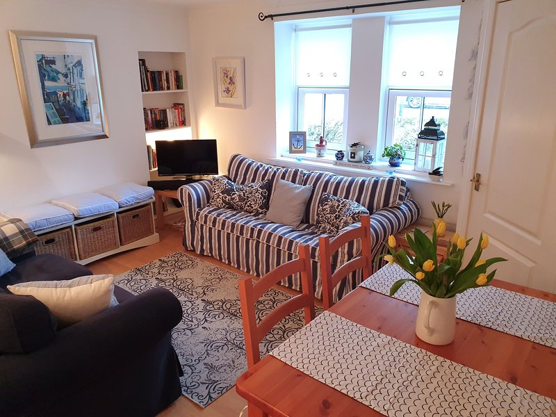 Cosy Stoney Creek Cottage in Coastal Crail, ideal retreat for couples, holiday rental in Crail