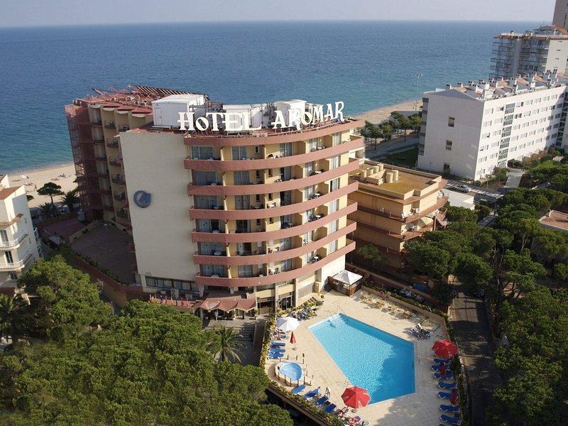 AP Costas - Delfin Aromar / Two Bedrooms, vacation rental in Castell-Platja d'Aro