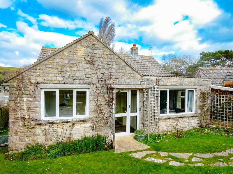 Dawn Cottage, holiday rental in Worth Matravers