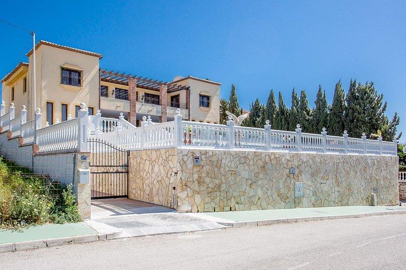 2 Avis Et 27 Photos Pour 6 Bedroom Villa FT With Private