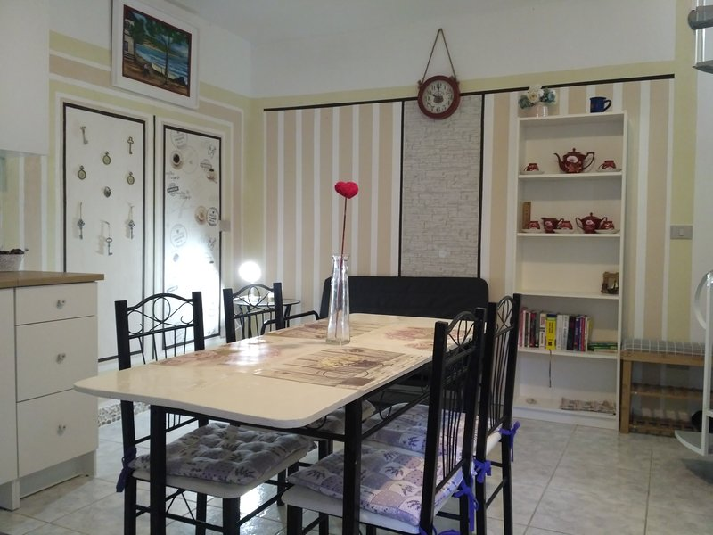 Cute house in historic centre of Grotte, vacation rental in Aragona