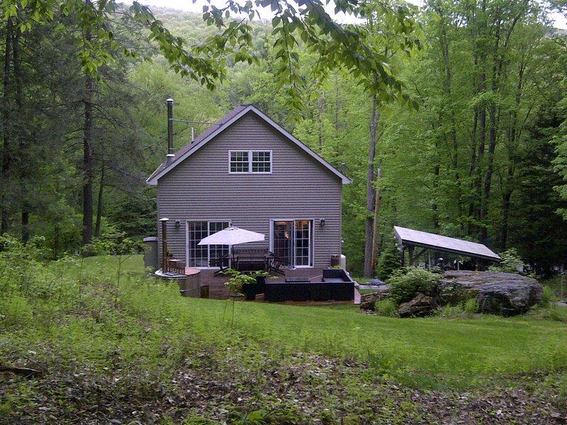 NEW LISTING - 'River Hill Chalet', location de vacances à Callicoon