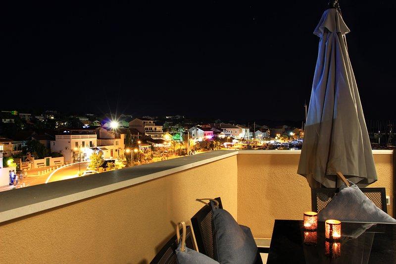2 ° piano (ultimo piano) - terrazza con vista