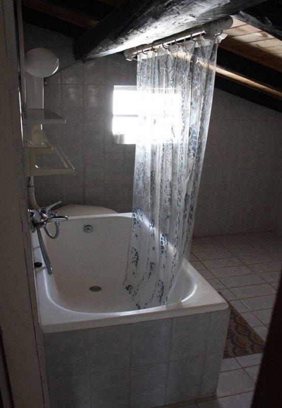 SA2(5+1): bathroom with toilet