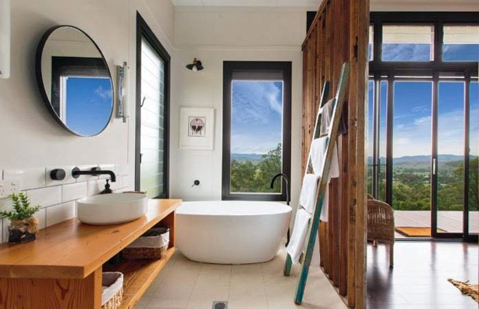 Glamourous Bathroom with Stunning views!