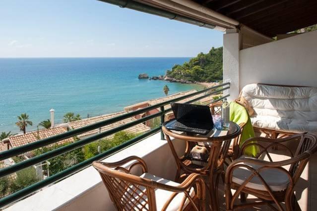 1BR Standard | Glyfada Beach Sea View Apartments, casa vacanza a Glyfada