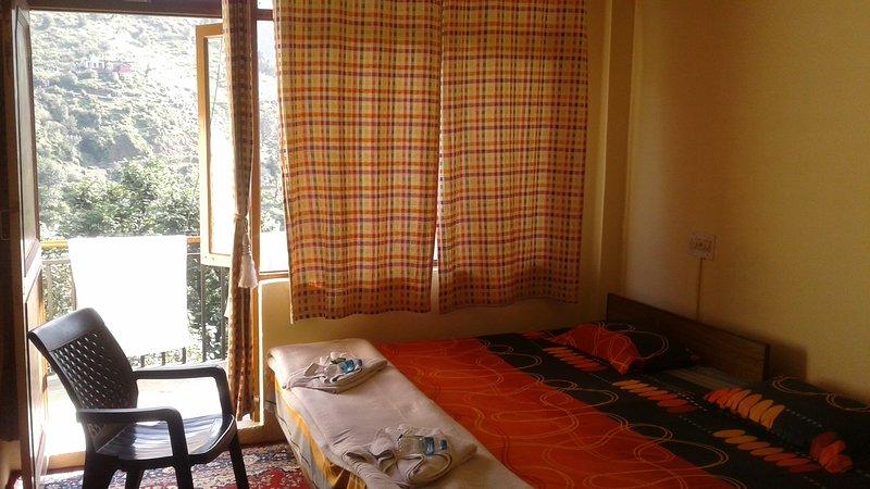 ANANDAM / GROUND FLOOR ROOM / G3, vacation rental in Sidhpur