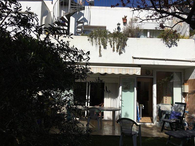 CASA UNIFAMILIAR EN LA FOSCA (PALAMOS), vacation rental in Vall-Llobrega