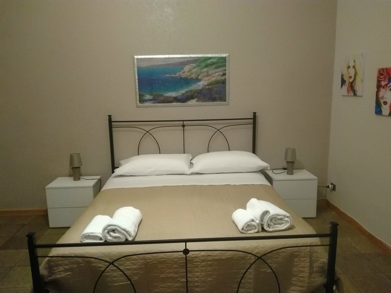 Double room with bunk bed, bathroom with shower. Independent entry.