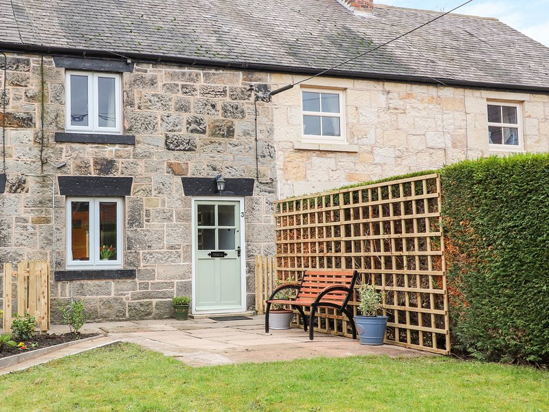 CARREG COTTAGE, WiFi, Pet-friendly, Stone walls, Ffrith, location de vacances à Rossett