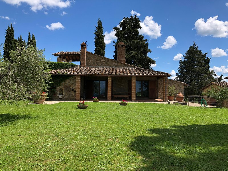 Urlaub auf dem Weingut Poggio al Sole - Bella Vista, holiday rental in Badia a Passignano