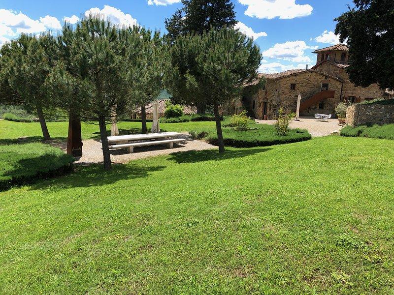 Urlaub auf dem Weingut Poggio al Sole - Giulietta, holiday rental in Badia a Passignano
