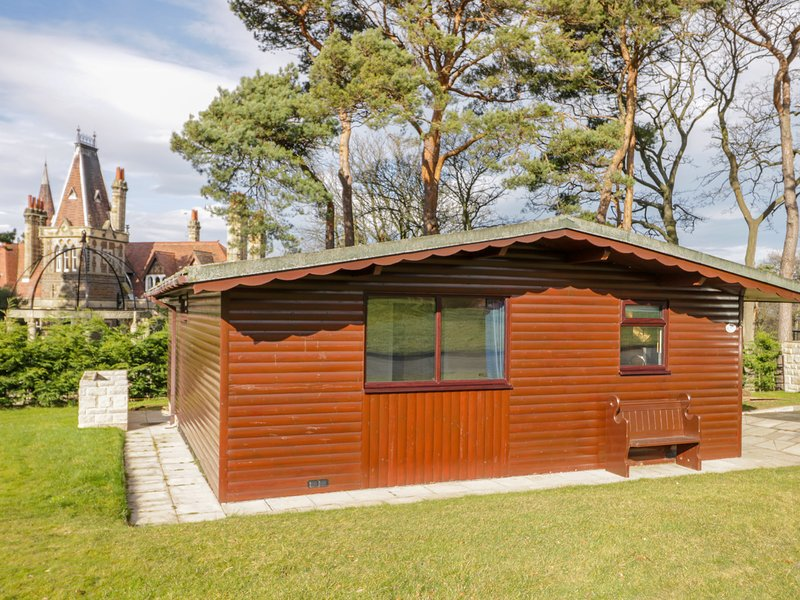 FOXGLOVE, open-plan, WiFi, near Saltburn-by-the-Sea, casa vacanza a Brotton