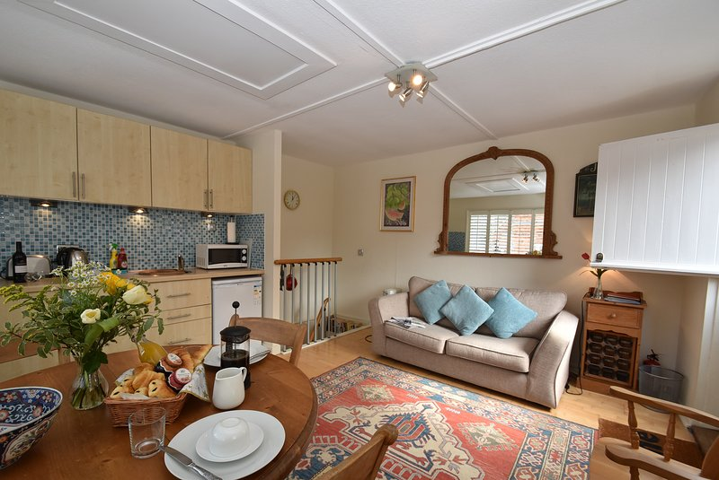 Studio 22 is a cosy apartment for two, in the centre of Rye., aluguéis de temporada em Stone in Oxney