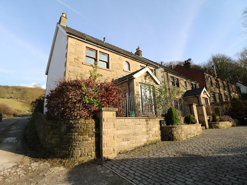 TORESTYN, WiFi, countryside location, near Matlock, casa vacanza a Darley Dale